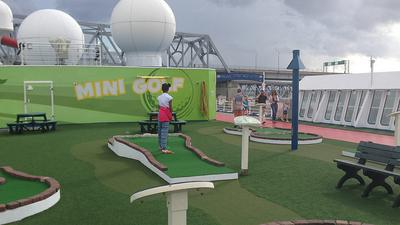 Mini Golf Course Carnival Elation