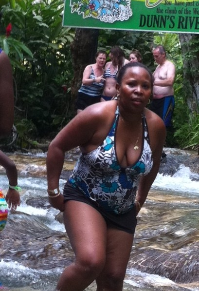Wife gets up after falling at Dunn's River Falls