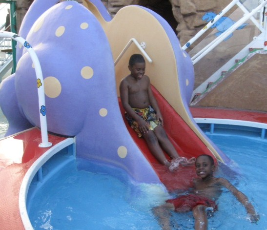 Boys at kiddies pool on Norwegian Dawn